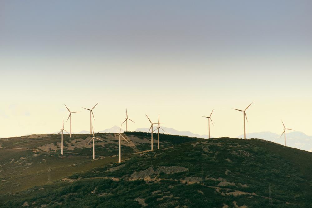 champ d'éolienne en vue de drone par Marc Mondange