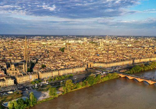 Pilote drone Toulouse se rend à Bordeaux